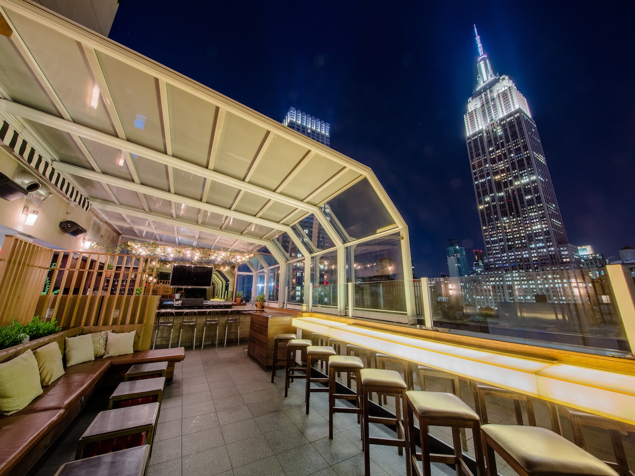 The Top of The Strand Manhattan rooftop restaurant bar overlooking New York City at Marriott Vacation Club Pulse NYC.